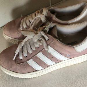 Adidas size 6 shoes